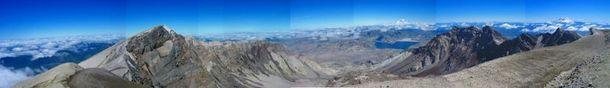 Crater_rim_panorama_1